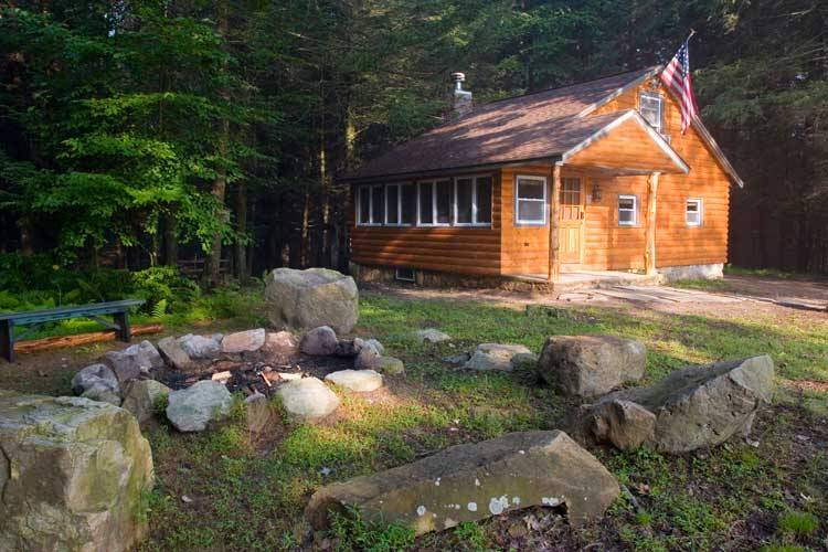 Poconos Rentals Cabin In Hemlock Forest With A Feeling