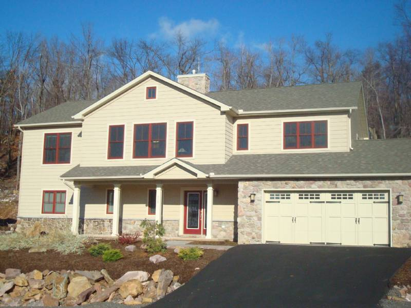 Big Boulder Newer 4 Bedroom Single House Close to Ski Resort and Lake - Hot Tub