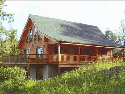 Mount Pocono Amish-Built Log Home with 50-Mile View in Pocono Ski/Raft Area