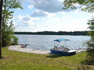 Pocono Summit Lakefront! Pool table, Ping Pong, Near Camelback & Casino. Wi-Fi.