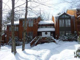 3BR Townhome right on Big Boulder. Wifi, Ski
