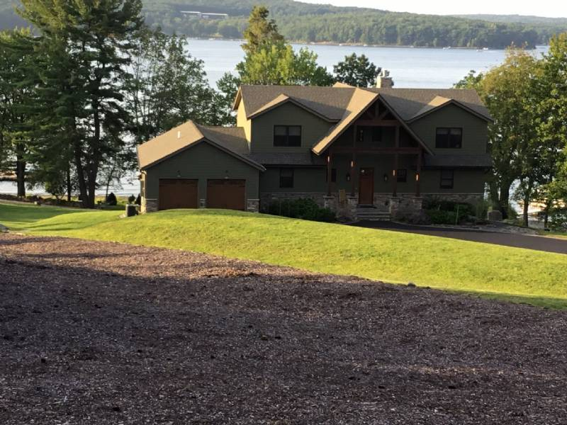 Lake Wallenpaupack- Prime Location